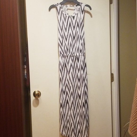 Banana Republic Dresses & Skirts - Banana Republic Long Chevron Dress XS